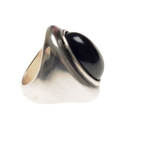 Ciclon Ring with black resin feature